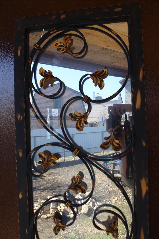 ковка на стеклопакет в железную дверь